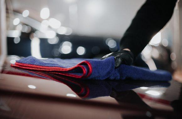 Detailingowe mycie samochodu