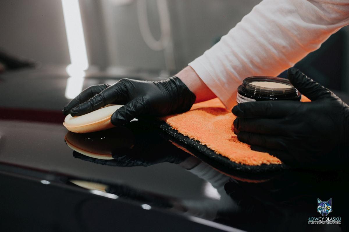 realizacje-auto-detailing-woskowanie-samochodu