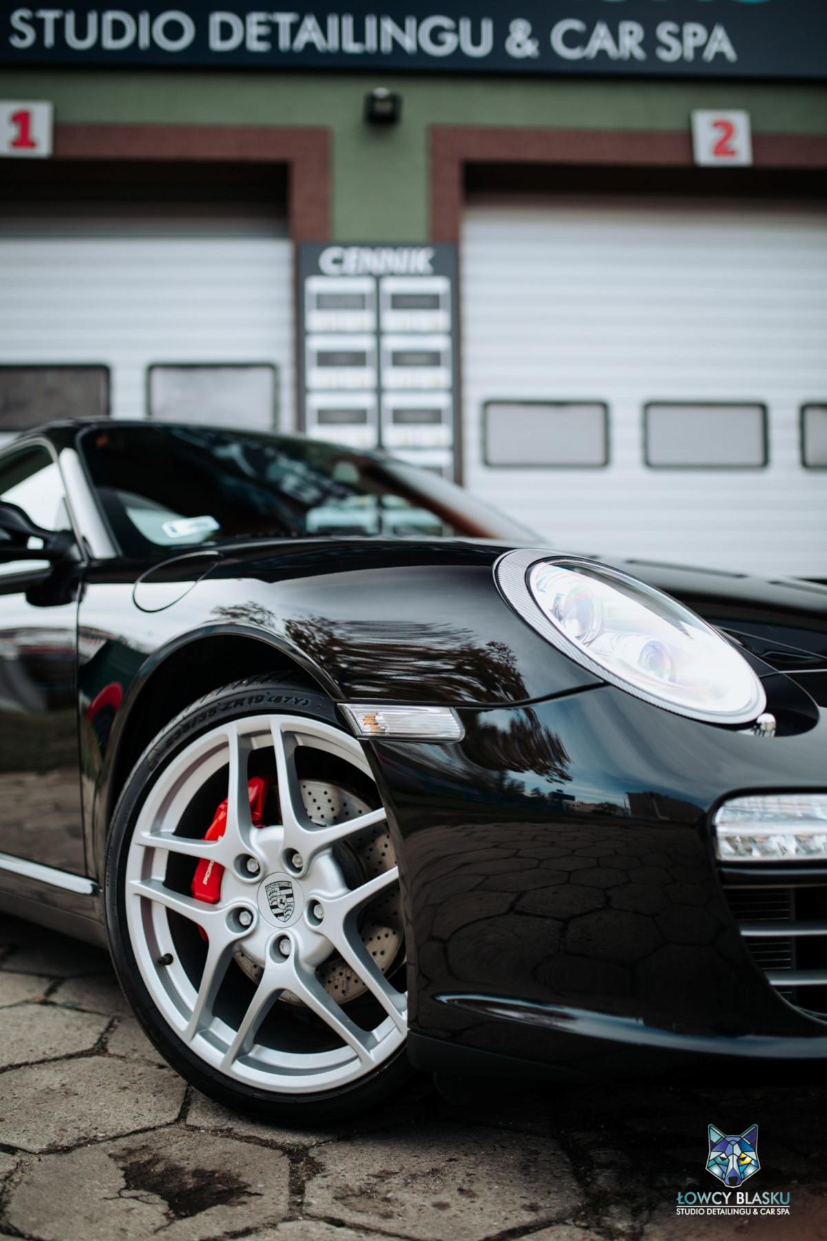 Porsche-Carrera-zabezpieczone-powłoką-ceramiczną-Opti-Coat-Łowcy-Blasku-2