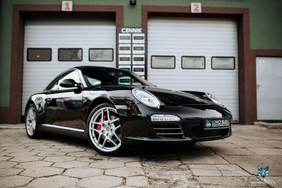 Porsche-Carrera-zabezpieczone-powłoką-ceramiczną-Opti-Coat-Łowcy-Blasku-1