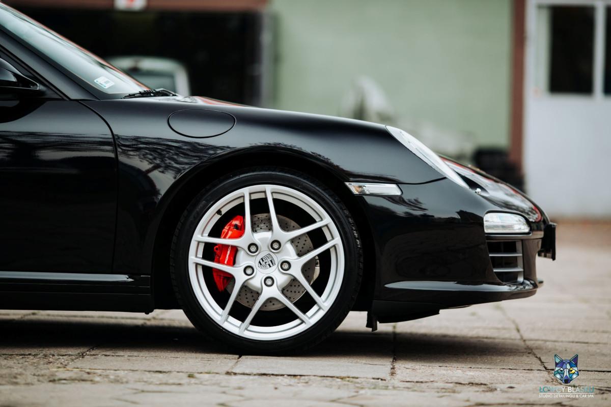 Porsche-Carrera-zabezpieczone-powłoką-ceramiczną-Opti-Coat-Łowcy-Blasku-10