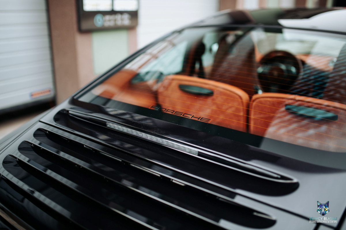 Porsche-Carrera-zabezpieczone-powłoką-ceramiczną-Opti-Coat-Łowcy-Blasku-8