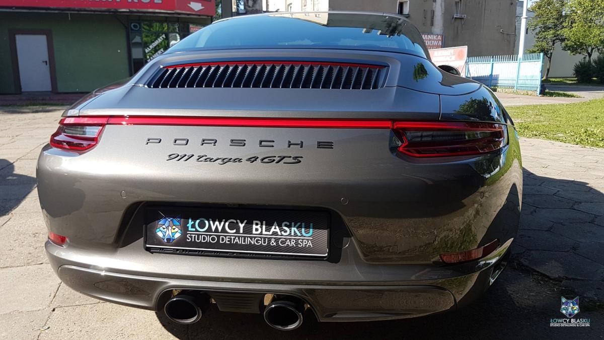 Porsche-Targa-zabezpieczone-powłoką-ceramiczną-Opti-Coat-Łowcy-Blasku-2